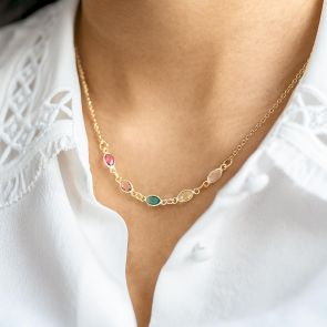 Family Oval Birthstone Necklace in Gold