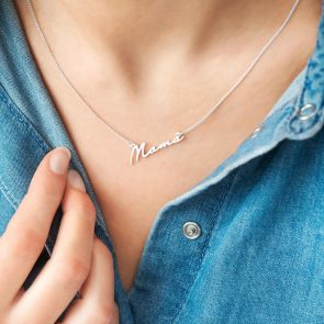 "Sterling Silver Script Style Pendant Reading ""Mama"""